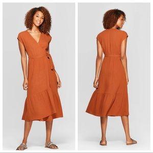 NWT Short Sleeve V-Neck Ruffle Hem Dress